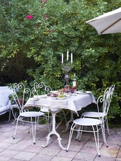 Outside dining in Provence