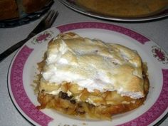 Zemlovka Recipe, Slovak baked bread pie filled with apples (or pears), raisins and farmer's cheese and topped with a layer of beaten egg whites.