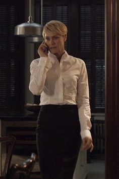 Sometimes all you need is a well-tailored crisp white shirt and a black skirt. : Sometimes all you need is a well-tailored crisp white shirt and a black skirt. Office Fashion, Work Fashion, Robin Wright Hair, Claire Underwood Style, Crisp White Shirt, Power Dressing, House Of Cards, Business Attire, Work Attire