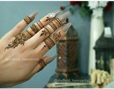 Pretty Henna Designs, Modern Henna Designs, Indian Henna Designs, Henna Tattoo Designs Simple, Floral Henna Designs, Finger Henna Designs, Mehndi Designs Book, Legs Mehndi Design, Mehndi Designs For Beginners