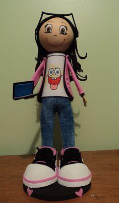 Ella es Melanny, una tierna señorita!!!! con sus accesorios favoritos, su laptop, sus zapatillas, lentes y su blusa de bob esponja!!!