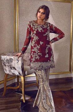Rozina Munib Luxury Party Wear 2018 - Brand Product Directory - Page 12 Shadi Dresses, Pakistani Formal Dresses, Pakistani Fashion Party Wear, Pakistani Wedding Outfits, Pakistani Dress Design, Bollywood Fashion, Indian Dresses, Indian Outfits, Indian Fashion