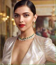 Deepika Padukone for Tanishq Jewelers Indian Actress Hot Pics, Indian Actresses, Bollywood Girls, Bollywood Actress, Dipika Padukone, Deepika Padukone Style, Katrina Kaif Photo, Massage Girl, Amai