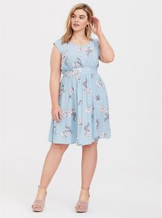 Plus Size Sportswear Trendy Dresses, Plus Size Dresses, Plus Size Outfits, Nice Dresses, Casual Dresses, Floral Fashion, Curvy Fashion, Plus Size Fashion, Womens Fashion