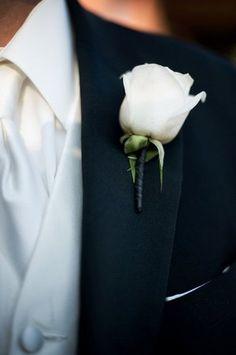 Gorgeous white rose boutonniere for Prom {Photo by Sakura Photo}