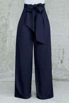 35 Stylish Kulot Pants For The Best Fashion – 35 elegantes pantalones Kulot para la mejor moda Classy Dress, Classy Outfits, Trendy Outfits, Cute Outfits, Fashion Pants, Hijab Fashion, Fashion Dresses, Fashion Fashion, Pallazo Pants