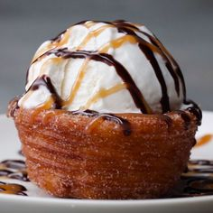 DIY Party Food : Churro Ice Cream Bowls