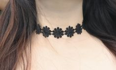 Black Daisy Choker / 90s Inspired Jewelry in goth by Michemuchacha