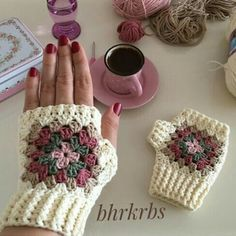 64 Super Ideas Crochet Patterns Mittens Gloves You are in the right place about crochet amigurumi He Fingerless Gloves Crochet Pattern, Fingerless Mittens, Crochet Slippers, Crochet Scarves, Crochet Clothes, Crochet Stitches, Crochet Patterns, Hat Patterns, Crochet Hand Warmers