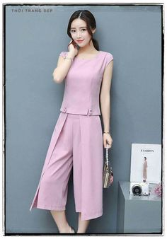 Hijab Fashion, Fashion Dresses, Korea Dress, Cute Dresses, Dresses For Work, Dress Pesta, Business Casual Attire, India Fashion Week, Clothing Hacks