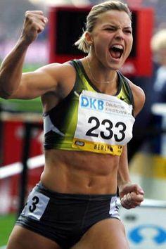 ∆-2de50914-223x19w - athletic woman - susanna-kallur (530×795)
