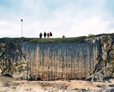 Marée noire, l'Erika, un mois après sur la plage de Batz, France, 2000 - Patrick Tournebœuf / Tendance Floue