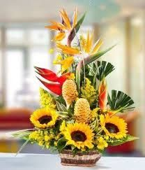 Resultado de imagen para arranjos florais para igrejas com gerberas