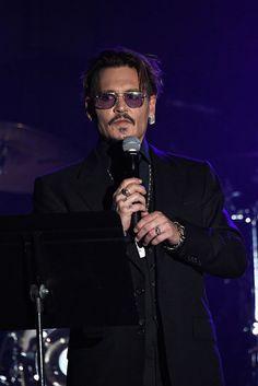 Johnny Depp: June 9 | 17 Celebrities That Reinforce The Gemini Stereotype