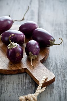 Looking for a tasty meatless dish? Try one of these healthy eggplant recipes.