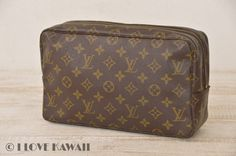 Louis Vuitton Monogram Trousse Toilette 28 Cosmetic Bag Pouch M47522