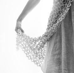 Claire Marfisi bijoux contemporains en céramique, http://www.clairemarfisi.fr/
