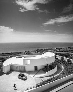 House by Mario Martins Algarve Portugal www.bullesconcept.com