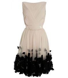 Appliqued petal dress..really nice ;-)
