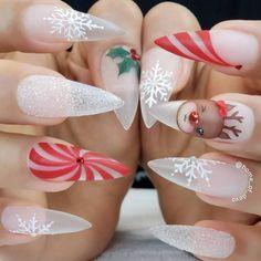 Deer nails, holiday nails, xmas nails, christmas nail designs, winter n Cute Christmas Nails, Christmas Nail Art Designs, Xmas Nails, Winter Nail Designs, Holiday Nails, Halloween Nails, Snow Nails, Christmas Candy, Christmas Glitter