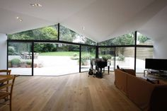 Salon moderne par Caseyfierro Architects