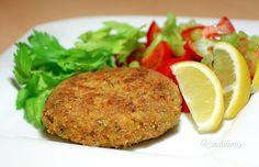Veľmi som si obľúbila v kuchyni používať červenú šošovicu, ktorá je plná rastlinných bielkovín a vlákniny. Nielen že je zdravá, ale netreba ju vopred namáčať a je najlepšie stráviteľná zo všetkých strukovín. Hlavne je veľmi dobrý pomocník pri odľahčovaní nahromadených prebytočných kilogramov. Veggie Recipes, Healthy Recipes, Salmon Burgers, Bon Appetit, Vegan Vegetarian, Baked Potato, Quinoa, Food And Drink, Veggies