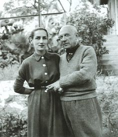 Picasso and his muse and lover Francoise Gilot a painter and the mother of Pablo and Paloma. After she left Picasso she married painter Luc Simon and then Jonas Salk of polio vaccine fame. Spanish Painters, Spanish Artists, Famous Artists, Great Artists, Francoise Gilot, Henri Cartier, Cubist Movement, Robert Frank, Portraits