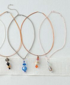 Oh-So-Easy Jewelry - Slide some flashy beads on a basic chain bracelet or necklace. Add charms to a bracelet of strappy leather or knotted cord. Use leftover beads to create dangly matching earrings. Oh-So-Easy Jewelry shows how to create unique jewelry in an instant from plain chains, links, closures, loose beads, and other findings. Designs include Slider Pendants; Glittered Bezel Jewelry; Connector Necklaces; Tubes, Beads, and Cord Necklaces and Earrings; Leather Bracelets; Medallion…
