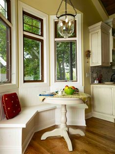 would love to build a bench in the breakfast nook