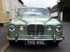 My second favourite out of the various Jaguars and Daimlers seen last week. Jaguar Daimler, Daimler Benz, British Motorcycles, Cars And Motorcycles, England Germany, Import Cars, Commercial Vehicle, Weird And Wonderful, Retro Cars