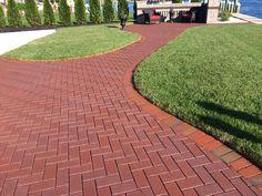 English Edge Burgundy - Pine Hall Brick, Inc. Outdoor Tile Over Concrete, Outdoor Tiles, Stepping Stone Walkways, Brick Paving, Paver Walkway, Driveway Design, Home Landscaping, Garden Paths, Landscape Design