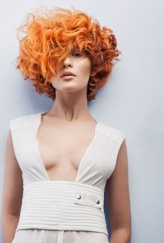 I want orange blossoms in my hair, champagne in my hand and love in my heart. Get the luxury ok at slay beauty. Short Curly Hair, Curly Girl, Curly Hair Styles, Brunette Hair, Hair Art, Trendy Hairstyles, New Hair, Redheads, Hair Inspiration
