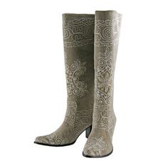 Aria Boot Size 38, $185, now featured on Fab.  fortunately, not my size!