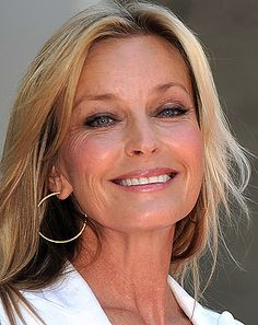 Did she or didn't she? I love the way Bo Derek, 56 and Lauren Hutton, 69 are aging but I actually have no idea what these former sun tanners do to look so amazing. We all have friends, colleagues and neighbors who look suspiciously good these days too. Is it a facelift? Lasers? Fillers? Maybe, but the real secret might be retinol – the non prescription alternative to Rx Retin-A. I know what you're thinking; lots of us still have …