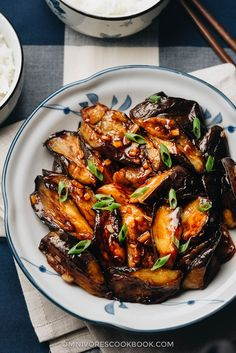 Chinese eggplant with Chinese garlic sauce.eggplant is grilled until crispy and smoky, and then cooked in a rich savory garlic sauce. This vegan dish is very satisfying, both as a side or a main dish served over rice or noodles. Eggplant With Garlic Sauce, Chicken Eggplant, Crispy Eggplant, Eggplant Dishes, Fodmap, Vegetable Recipes, Vegetarian Recipes, Vegan Meals, Vegetarian Dinners