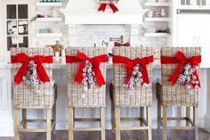 Las 64 mejores im genes de sillas de comedor decoradas - Adornos navidenos para sillas ...