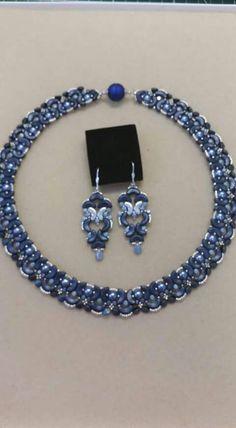 by Victoria Mace Beaded Necklace Patterns, Jewelry Patterns, Necklace Designs, Beaded Earrings, Beaded Jewelry, Jewellery, Twin Beads, Unusual Jewelry, Bracelets