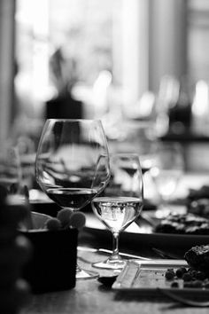 wine glasses, black and white, photography