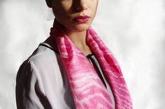 San Valentino. delicata sciarpa tinta a mano con tintura Shibori Techniques, Exclusive Clothing, Valentino, Fashion Accessories, Leather Jacket, Elegant, How To Wear, Shopping, Clothes