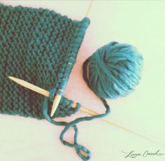 my newest addiction: knitting! I can't stop. no really... i can't.