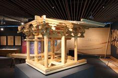 石上寺本堂部分模型です。下から見上げて内部構造がわかるよう展示しています。