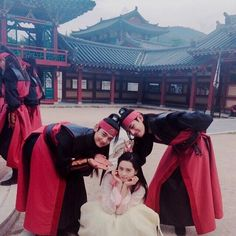 Taehyung, Minho and Go Ara ❤ Hwarang FAM!(ara_go_0211 IG Update) #BTS #방탄소년단