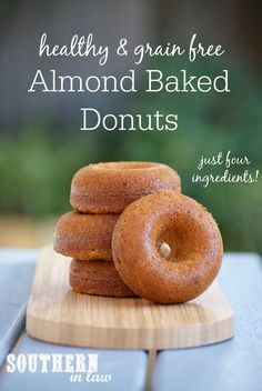 Easy Four Ingredient Grain Free Baked Donuts Recipe. Gluten free, no butter, no oil, refined sugar free, dairy free. Gluten Free Donuts, Gluten Free Baking, Gluten Free Desserts, Sugar Free Donuts, Dessert Sans Gluten, Paleo Dessert, Dessert Recipes, Dinner Recipes, Healthy Donuts