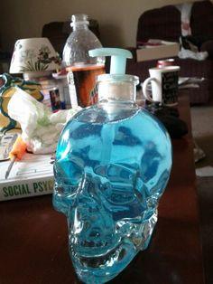 A soap dispenser made out of a crystal skull vodka bottle! Via Crystal Head Vodka Gothic Home Decor, Diy Home Decor, Creepy Home Decor, Skull Vodka Bottle, Bottle Bottle, Bottles, Crystal Skull Vodka, Apartment Bathroom Design, Goth Home