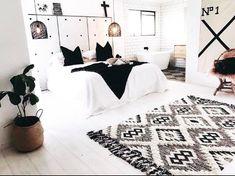 Bedroom Wardrobe, Bedroom Inspo, Home Bedroom, Master Bedroom, Bedroom Ideas, Scandi Home, Stylish Bedroom, Room Goals, Decor Interior Design