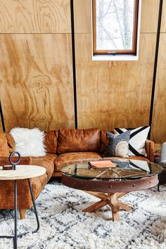 9 best distressed leather couch images homes living room living rh pinterest com