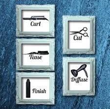 Resultado de imagen para rustic upcycled hair salon Home Hair Salons, Hair Salon Interior, Home Salon, Small Salon, Salon Signs, Beauty Salon Decor, Small Beauty Salon Ideas, Design Salon, Salon Art