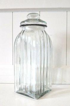 Vorratsglas mit Deckel aus Glas eckig Vorratsdose Nostalgie Bonbonglas Dekoglas Glasdose ca. 27cm von HKT Home Deco, http://www.amazon.de/dp/B00F9WTS5M/ref=cm_sw_r_pi_dp_xHR4sb0PPJ2HD