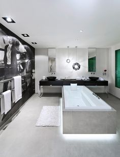 13 Tips to Make Your Bathroom Sparkle . Bathroom Goals, Bathroom Inspo, Master Bathroom, Bathroom Accessories, Bathtub, House Design, Interior Design, Sparkle, Home