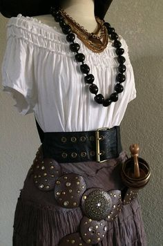 XL Women's Pirate Costume